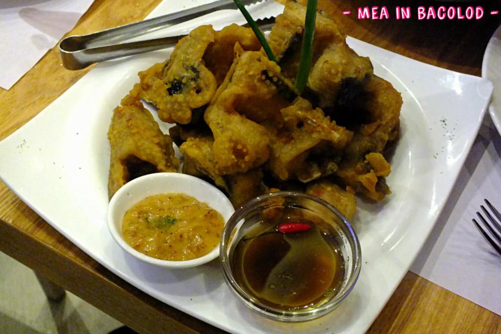 Battered, deep-fried catfish ni Kuya J