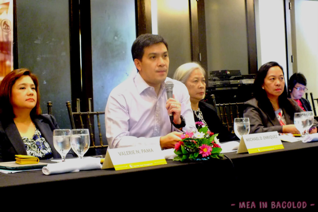 L-R: Valerie Pama, President Sun Life Asset Management Company, Inc.; Micheal Enriquez, Chief Investment Officer Sun Life of Canada Philippines, Inc.