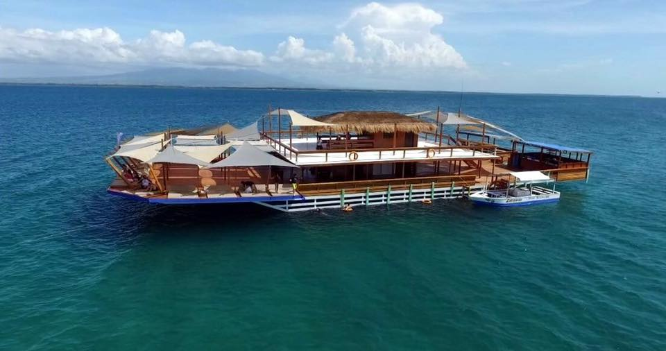 Lakawon TawHai Floating Bar - Mea in Bacolod (2)