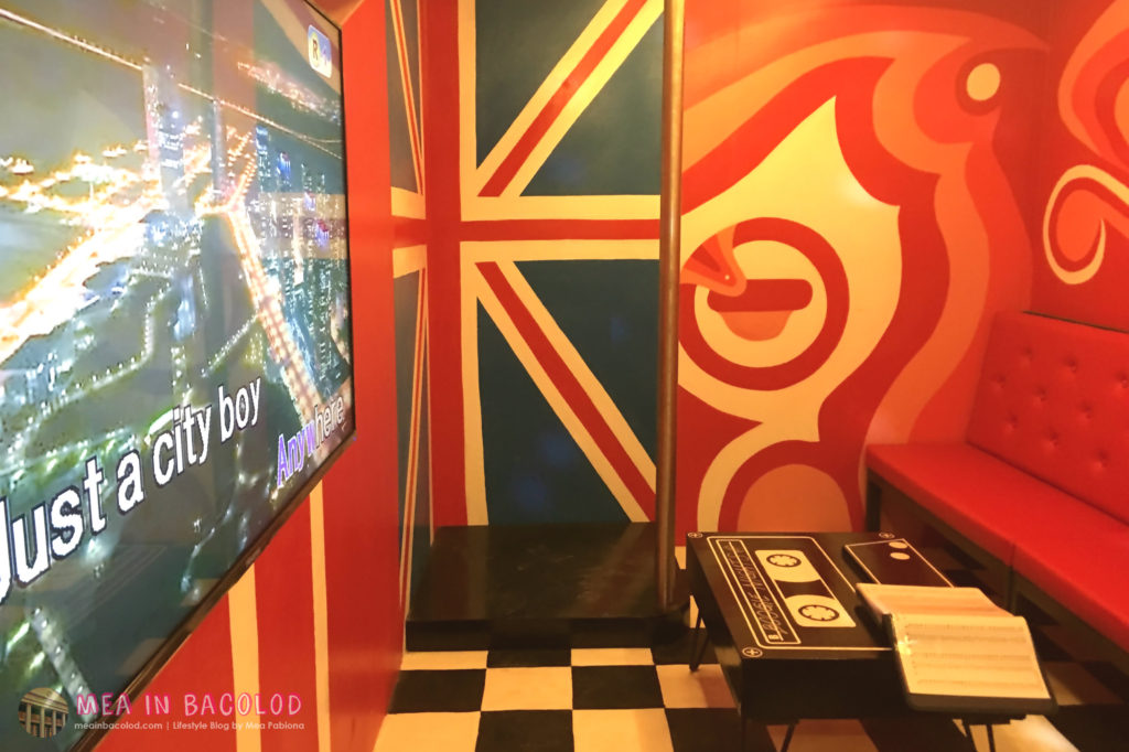 10-retro-ktv-bacolod-red-ktv-room