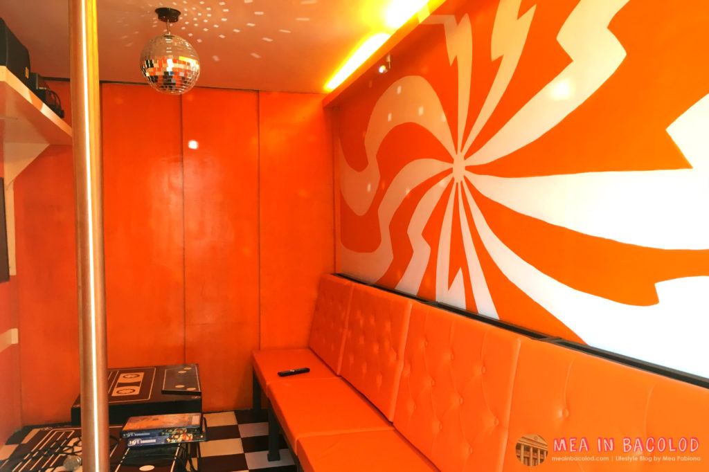 2-retro-ktv-bacolod-orange-ktv-room