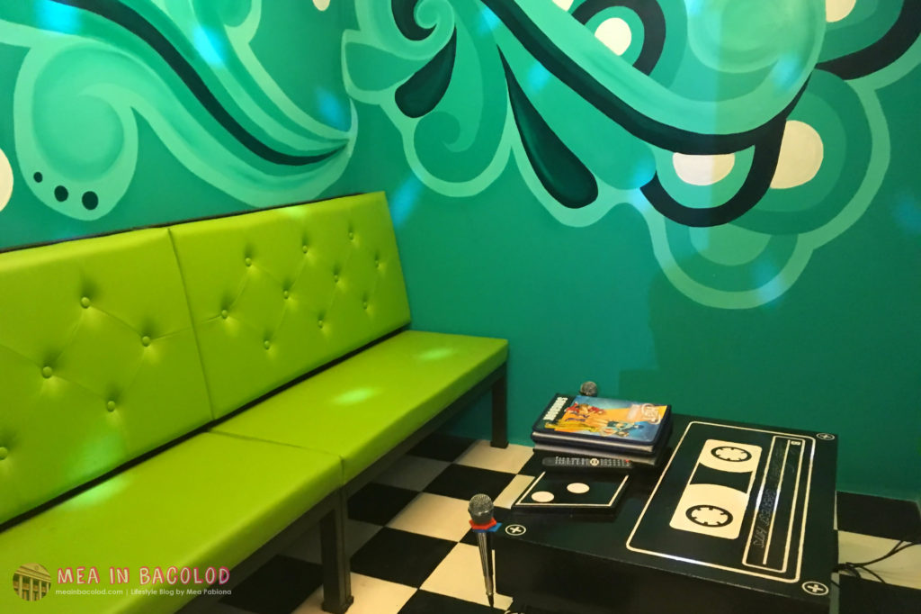 8-retro-ktv-bacolod-green-ktv-room