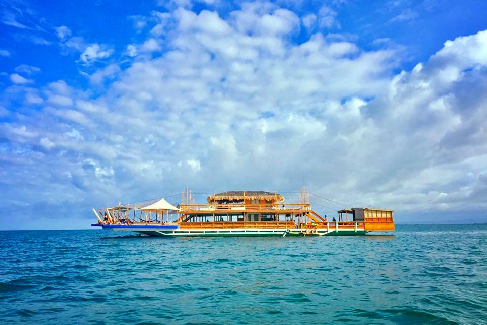 Mea in Bacolod | Tawhai Floating Bar Lakawon